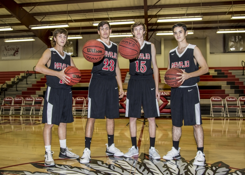 1525883447-senior-boys-basketball-picture-17-18