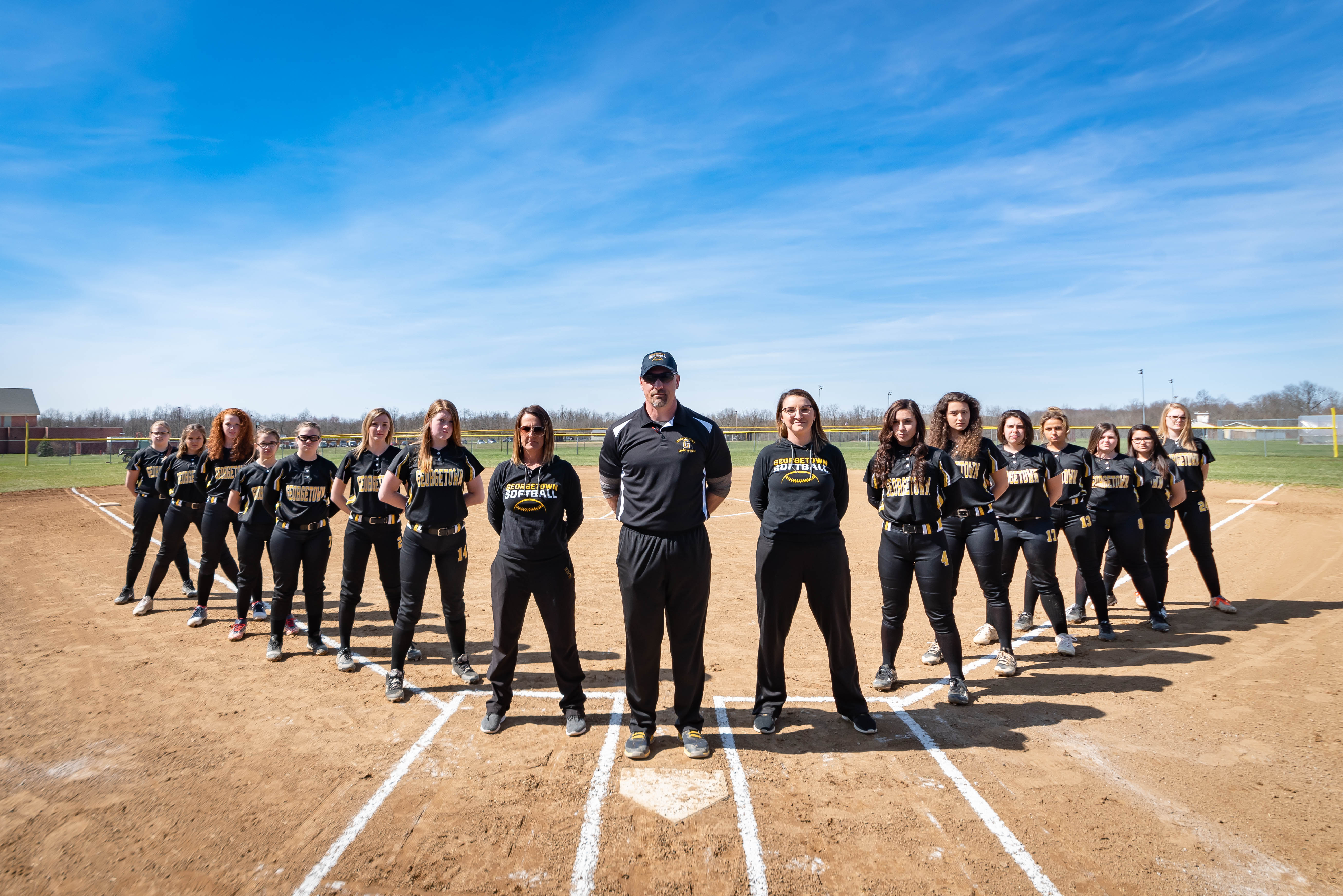 1556206111-georgetown_softball_2019_varsity_team_picture