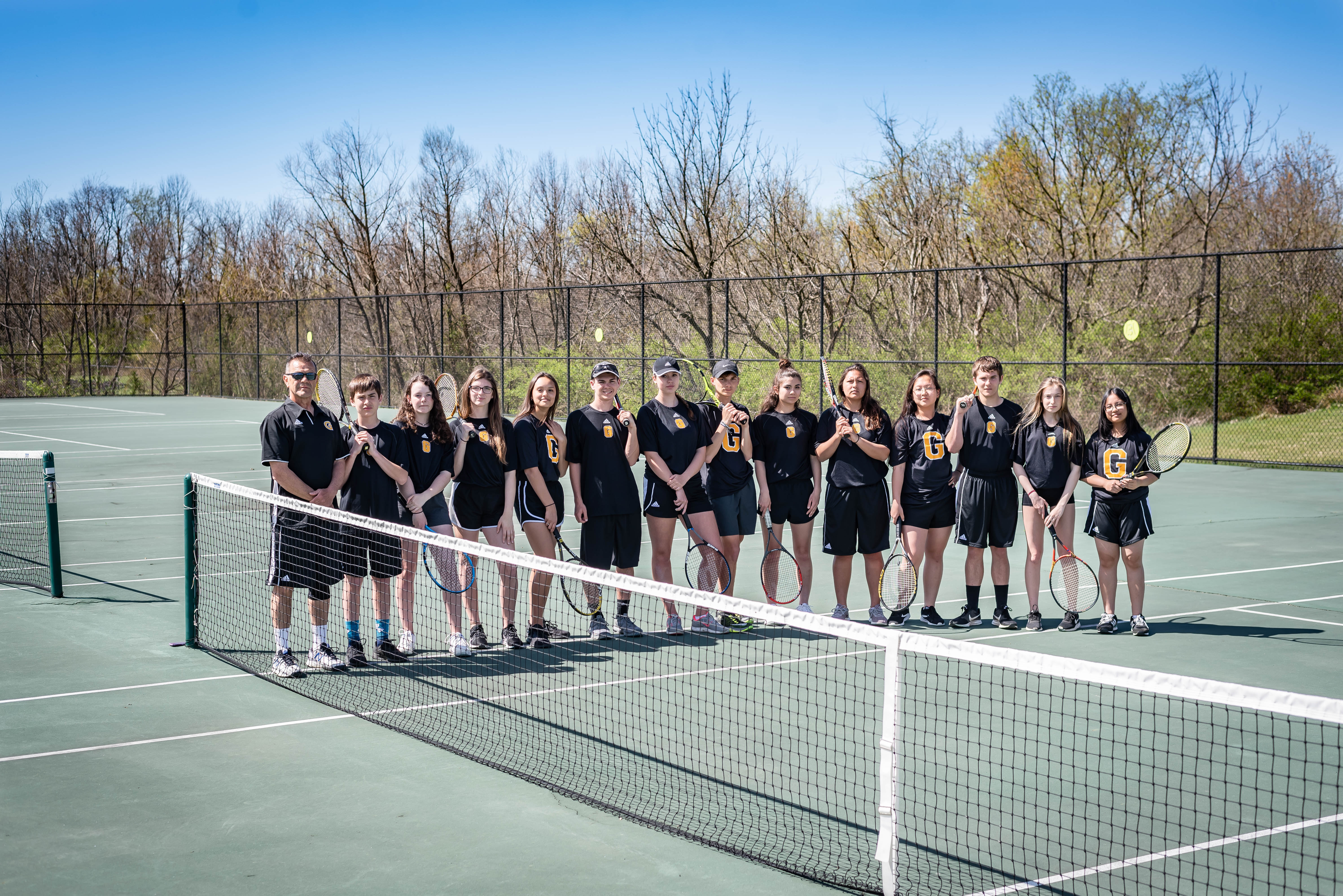 1556206112-georgetown_tennis_2019_varsity_team_picture