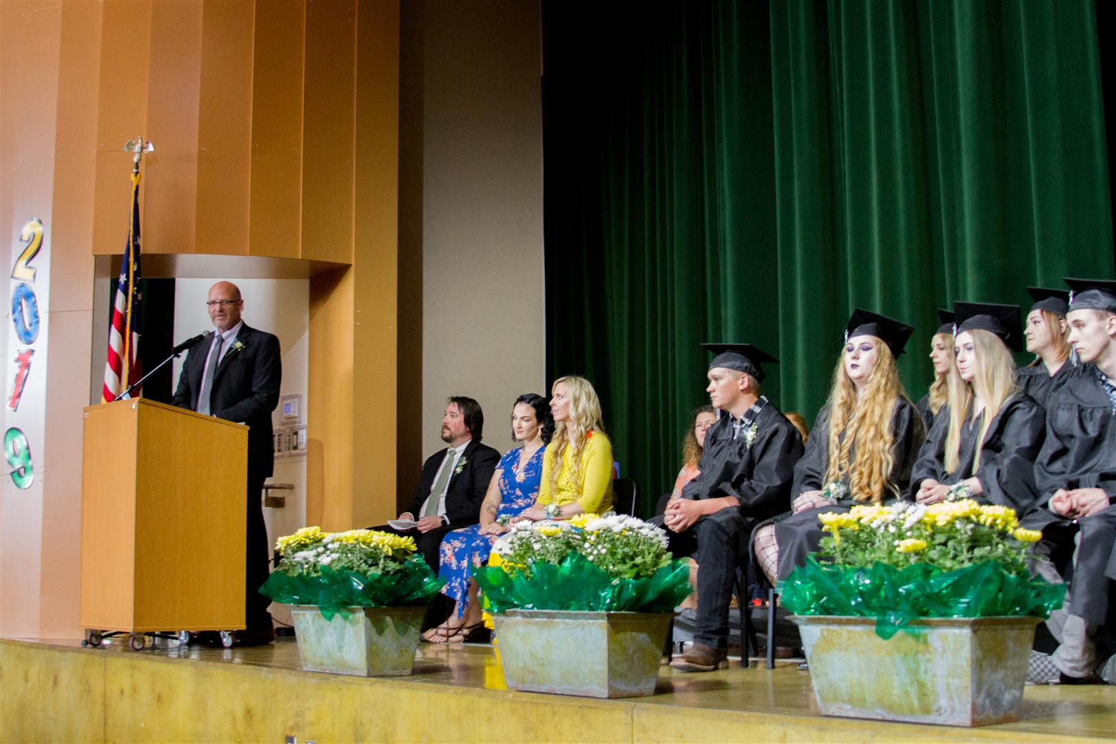 1560449992-team-high-class-of-2019-commencement-11__large_
