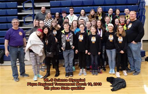 Piqua regional tournament group picture