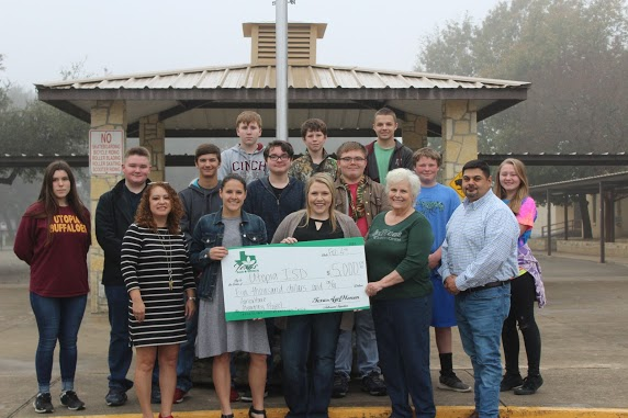 Utopia Agriculture Department receiving a check