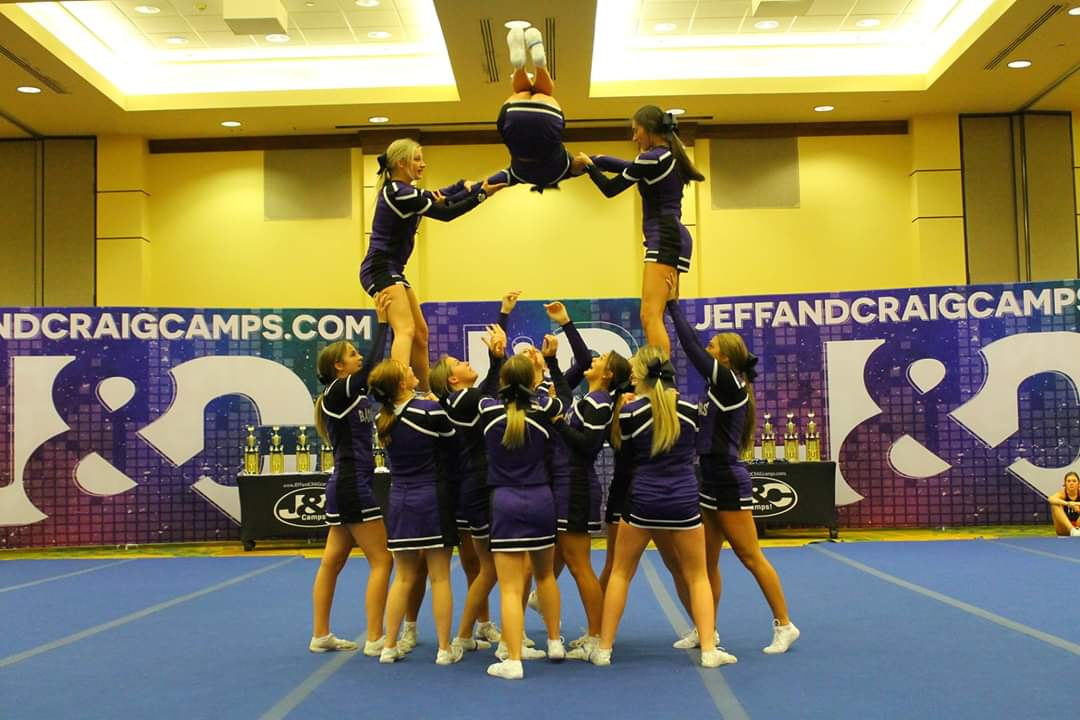 1583419391-cheerleaders_lift