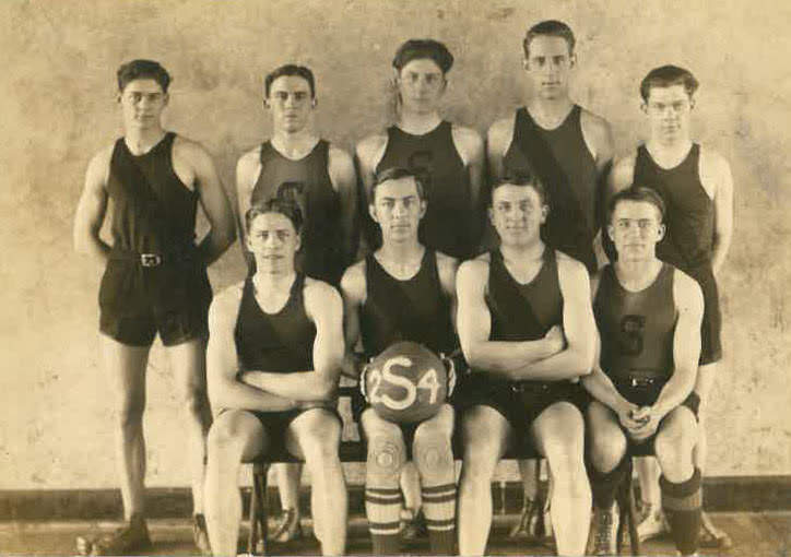 Content_1565093940-1924salem_local_1924_basketball_team