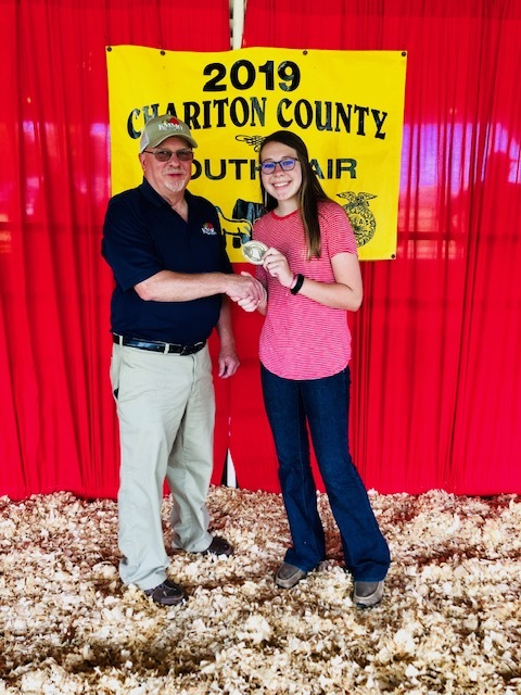 Content_1568313159-kmmo_youth_in_ag_award_halley