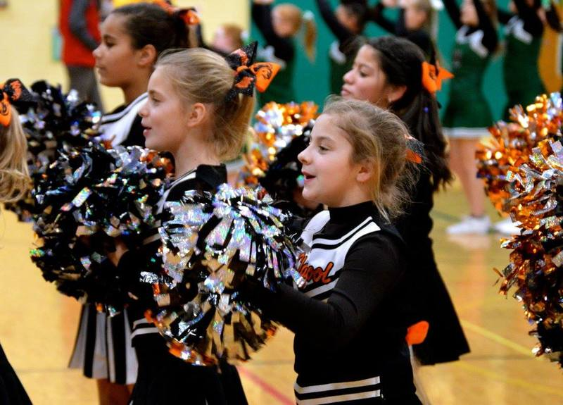 Content_1593561917-claypool_cheer